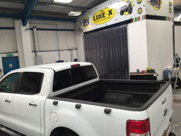 FORD RANGER LINE-X TRUCK BED